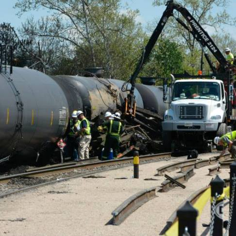 CSX crews after the Lynchburg train derailment, May 2014